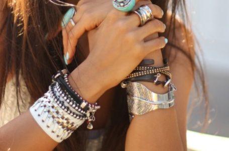 Quels sont les bracelets féminins à mode?